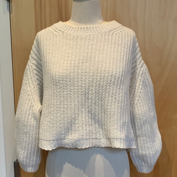 Unique cropped - oversized sweater - puff sleeve